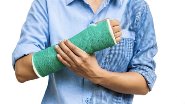 fracture poignet traitement fracture scaphoide reduction osteosynthese poignet fracture docteur laurent thomsen chirurgien du poignet paris
