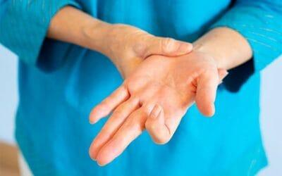 Les symptômes du doigt à ressaut